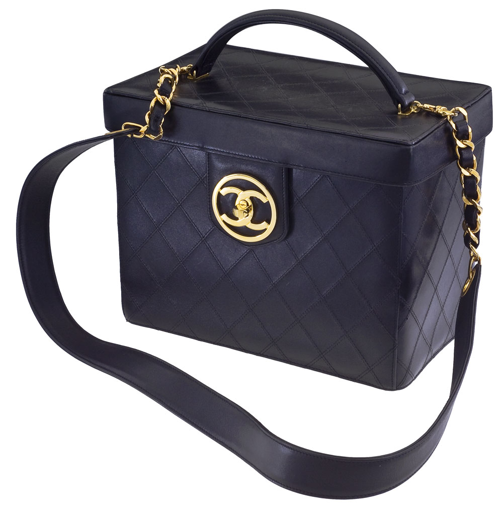 e0388f4235 VINTAGE CHANEL QUILTED VANITY CASE BAG. Previous  Next