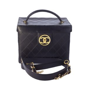 VINTAGE CHANEL QUILTED VANITY CASE BAG