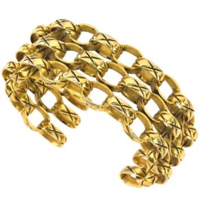 VINTAGE CHANEL QUILTED MOTIF BANGLE BRACELET