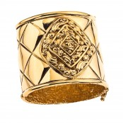 VINTAGE CHANEL MASSIVE GOLD TONED BANGLE WITH QUILTED DETAILS