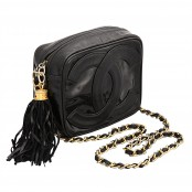 VINTAGE CHANEL BLACK PATENT LEATHER BAG WITH TASSEL