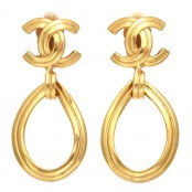 VINTAGE CHANEL CC TEAR DROP EARRINGS